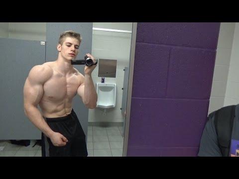 19yo Teen Bodybuilder Flexing and Measuring 8 weeks outиз YouTube · Длительность: 1 мин35 с