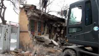 Демонтаж здания Государственного цирка Армении(Демонтаж Осуществлялся силами компании IVIMAX www.ivimax.am., 2012-06-20T19:29:19.000Z)