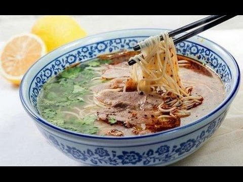 The making of mouth-watering Lanzhou Beef Noodles in NW China