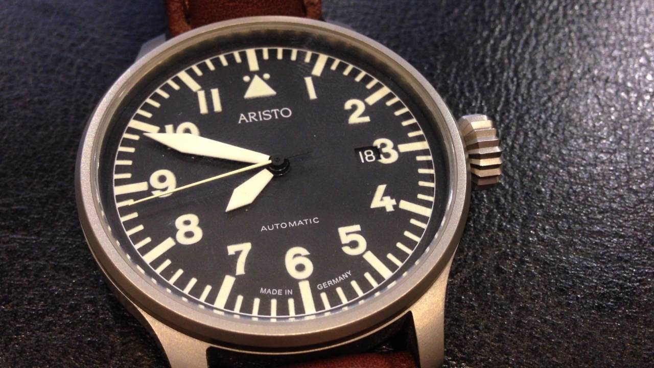 d2d438f3b75 The movement of the second hand on the Aristo Flieger Automatic 3H114