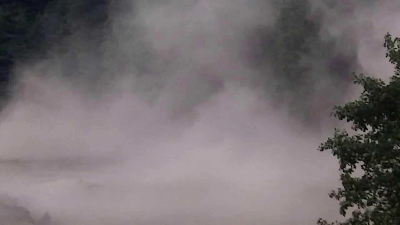 D molition de l 39 ancienne chemin e du site intermills malmedy youtube - Demolition cheminee ancienne ...