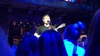 Ed Sheeran - Shape of you (live in Hintertux, Austria, 15.12.17) - private concert -