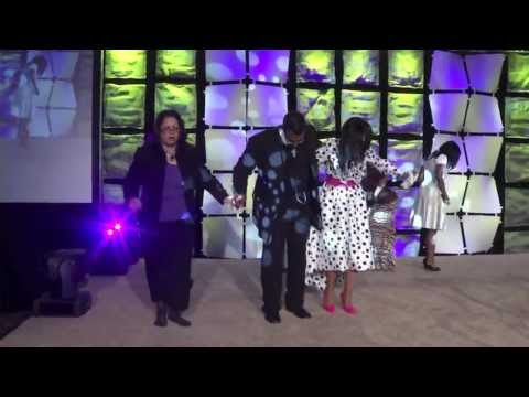 Finally Released, Bishop Weeks III & Prophetess Glenn Weeks Breaks Out In A Praise At PETR.