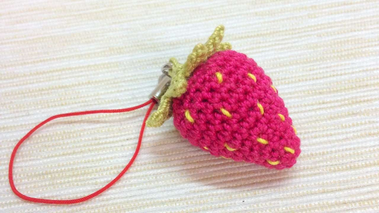 How To Make A Sweet Crocheted Strawberry Keychain Diy Crafts