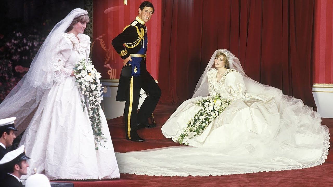 Here S Why Princess Diana Had A Secret Second Wedding Dress It