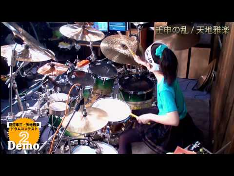 This 15 year old girl sure knows how to play drums!