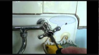 Как поменять прокладки на кухне и в ванне.avi(, 2011-09-27T02:18:46.000Z)