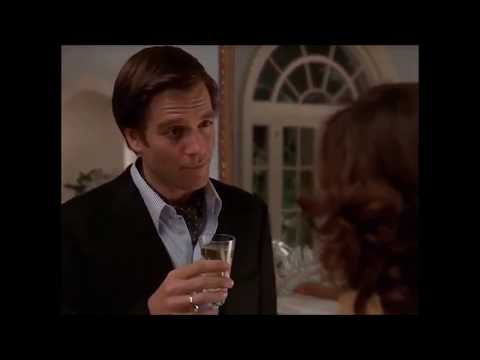 Michael Weatherly  All I Wanto For Christmas Is You  Mariah Carey