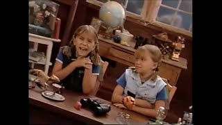 Mary-Kate & Ashley Olsen - Lazy Rainy Afternoon