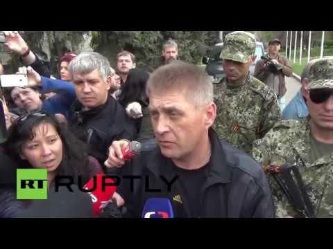 Ukraine: Talks fail to free OSCE captives in Slavyansk