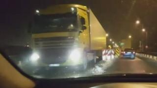 Ciężarówki na starym moście (12.02.2017)