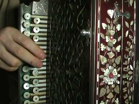 Гармонь-хромка. Учимся играть частушки.
