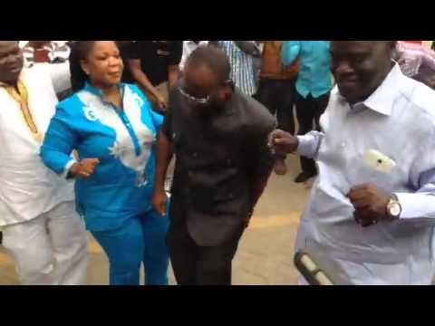 Ghana FA President Kwesi Nyantakyi dancing to Mansa tune