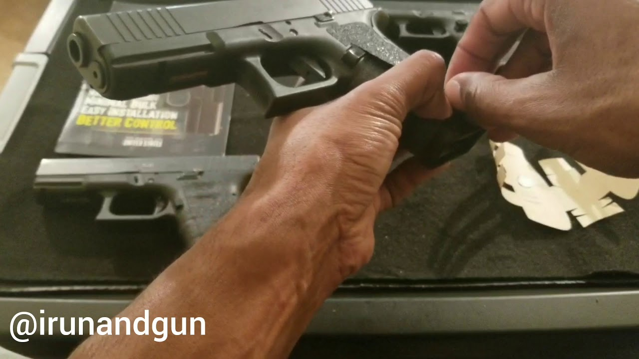 Installing another pair of Talon grips - Glock 17 Gen 4 FS - Stipple - Granulate - How To - Pistol