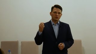 Dr Sławomir Mentzen - spotkanie z wyborcami w Toruniu