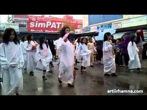 Fashion Road Horror dan Drum Band SD dan SMP Kota Pontianak