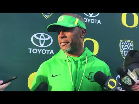 Oregon Ducks football coach Willie Taggart not ready to name a starting QB for Washington State game