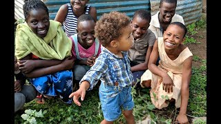 MAKING NEW FRIENDS IN KENYA    AdannaDavid