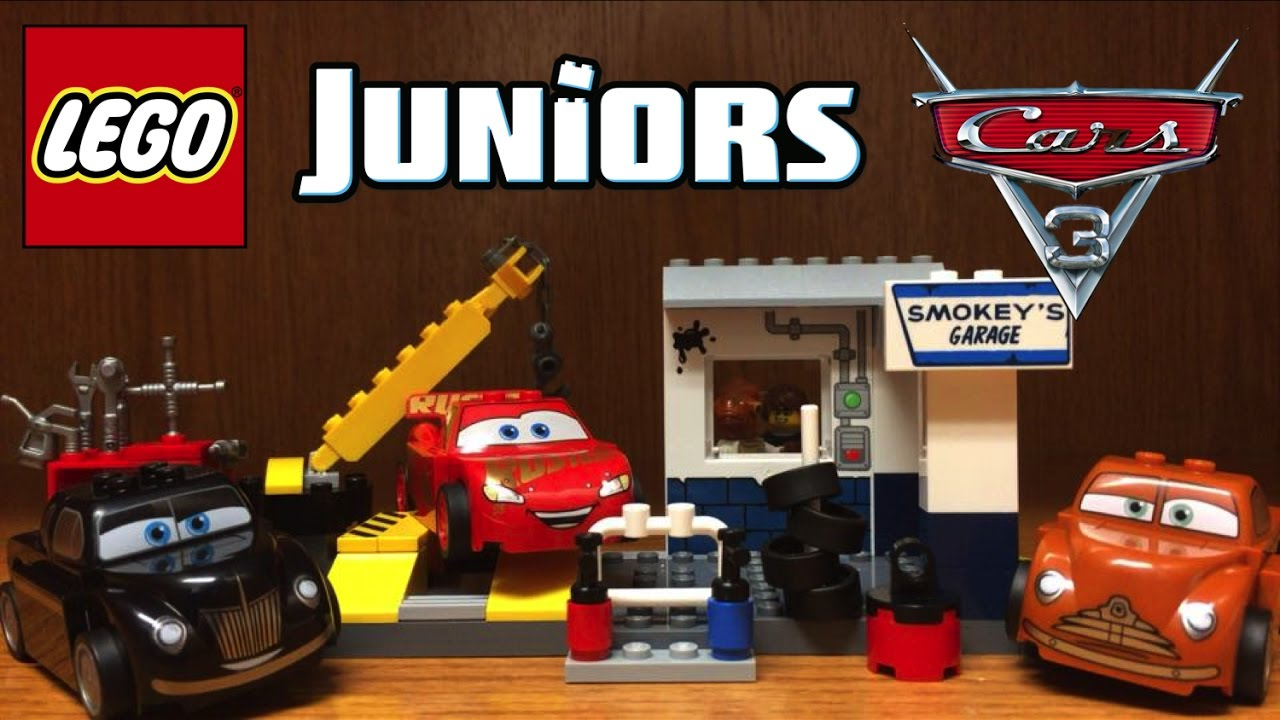 Lego Cars 3 Smokey S Garage Set Review 10743 With Exclusive Lightning Mcqueen Youtube