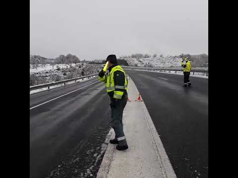 Embolsamiento de camiones en A Gudiña por la nieve