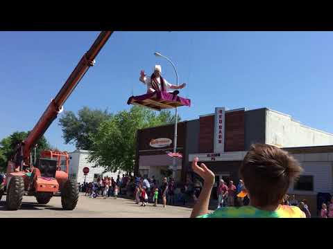 Paul Fletcher - MN Movie Theater Does Magic Carpet Float At Parade
