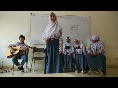 Musikalisasi Puisi Kebenaran Akan Terus Hidup Karya Wiji Thukul SMA Telkom Bandung