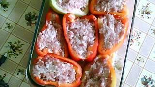 Фаршированный перец половинками в духовке