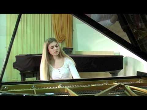 Chopin Nocturne op 9 no 2 Urška Babič