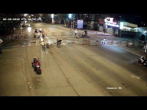 Battle of the Rails  || ViralHog