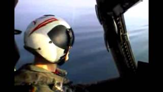 Skilled U.S. Navy Pilot Lands Perfectly On USS Aircraft Carrier