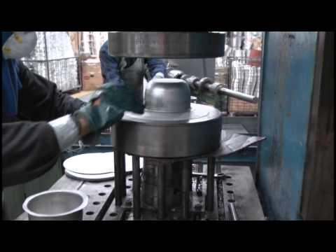 Industria cuencana fabrica ollas de inducci n youtube for Fabrica de utensilios de cocina