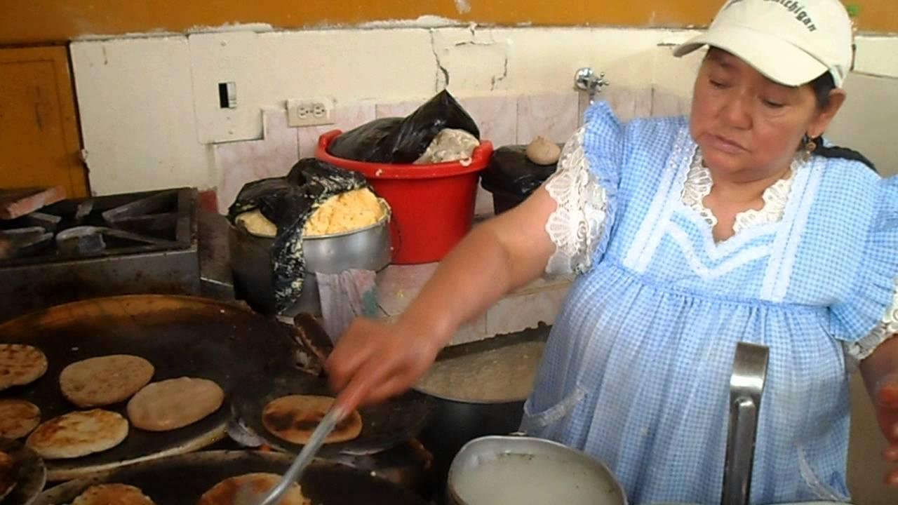 Tortillas en tiesto de barro en gualaceo youtube - Tiestos de barro ...