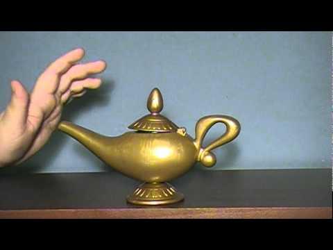 Disneyu0027s Aladdin: Genieu0027s Magic Message Lamp