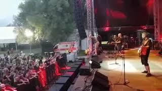 Hladno Pivo - Nije sve tako sivo (live @ Castle Kolpa music festival, 02.08.2018.)