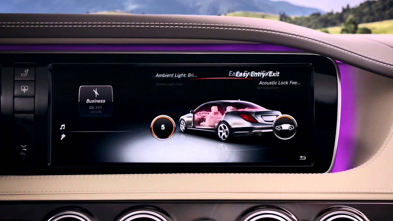 Mercedes-Benz Technology — COMAND with Touchpad