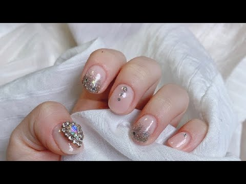 nail art  20192020 겨울네일 ️ 글리터네일 영롱네일 나름 엘사네일💙  youtube