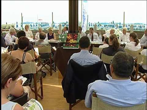 Incontro conferenza stampa 24 giugno 2011 bagno vela punta marina terme ra youtube - Bagno vela punta marina ...