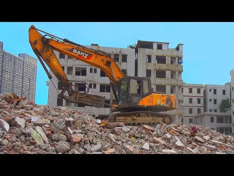 Building New Cities VS Destroying Old Towns in China