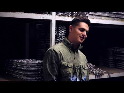 Seria Un Error (Video Oficial BTS) - Regulo Caro