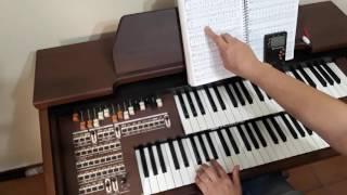 C.C.B explicação da mão esquerda do hino 440 no órgão eletrônico.