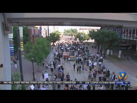 day-5-of-protests-in-charlotte-as-thousands-march-for-equality,-understanding
