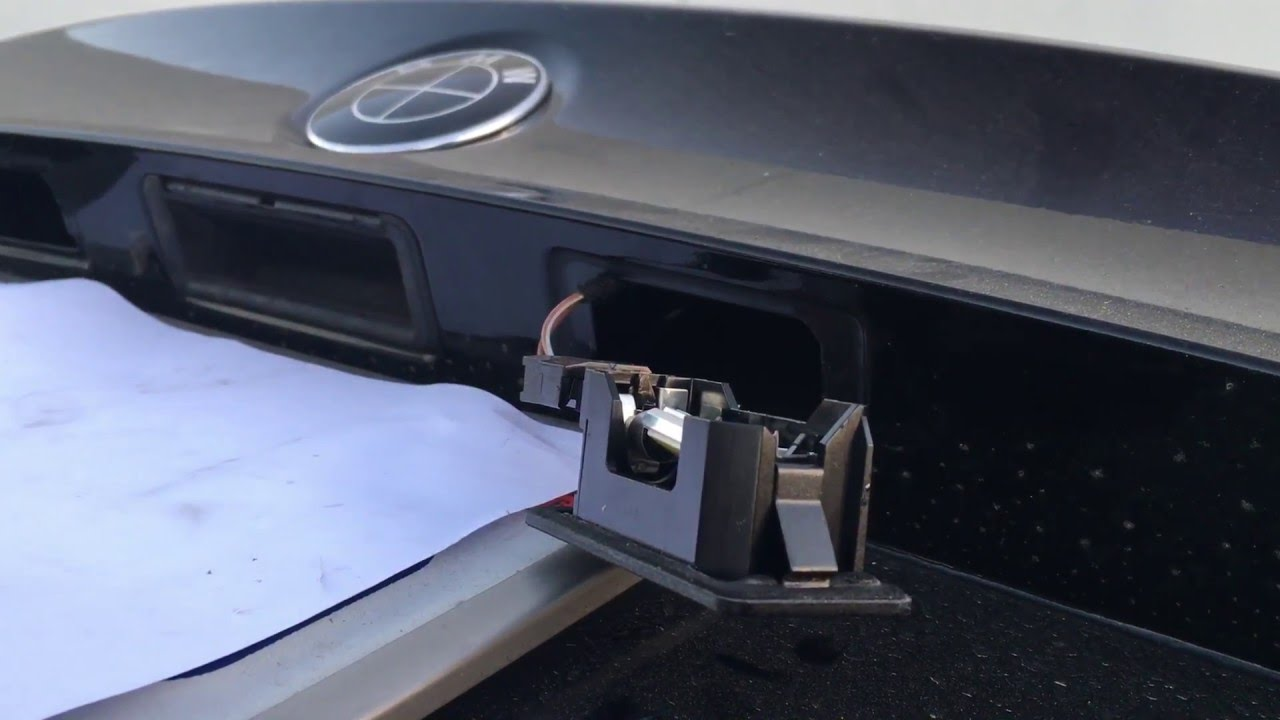 How To Remove License Plate Light Housing BMW 5 Series 3 Series