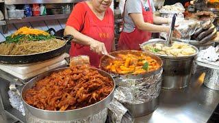 광장시장 떡볶이와 순대 - 한국 길거리음식 / Street foods in the korean tourist market