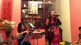 """Nhớ mùa thu Hà Nội """"acoustic"""" (Trịnh Công Sơn) - Lê Thu Hương (Mini Show """"Vươn hình hài lớn dậy"""")"""