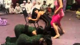 M'alayah (معلايه‎) Arabic Dance at a Wedding