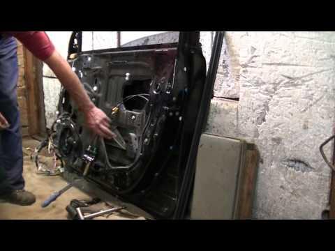 Как разобрать двери на Тойоте Авенсис 2003г. Кузовной ремонт. BODY REPAIR
