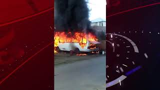 Incendio destruye autobús en San Juan de la Maguana