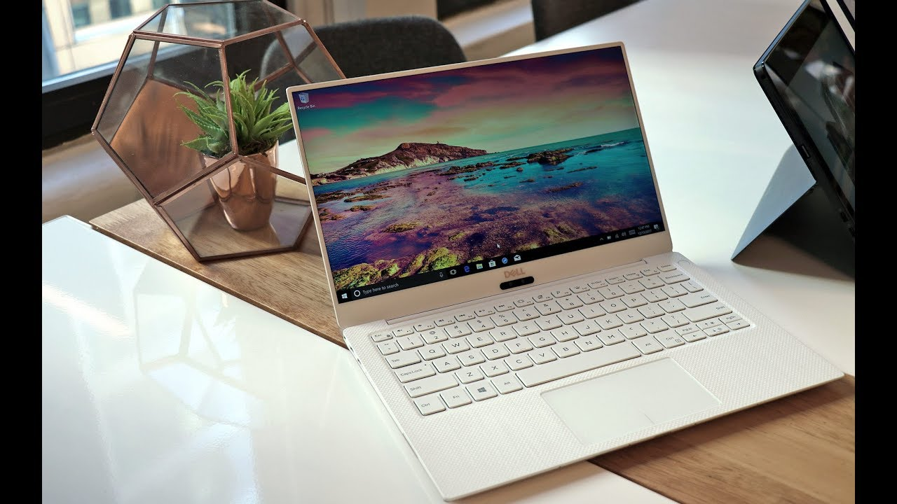 Dell XPS 13 9370 (2018) Review: Spun Glass, Killer Looks And