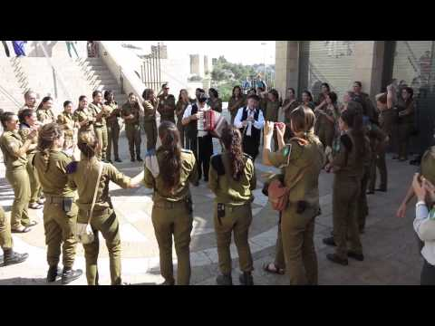 Israeli soldiers dancing in Jerusalem
