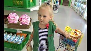 Download Алиса работает МОДЕЛЬЮ !!! Алиса играет в детском развлекательном центре Минополис Mp3 and Videos